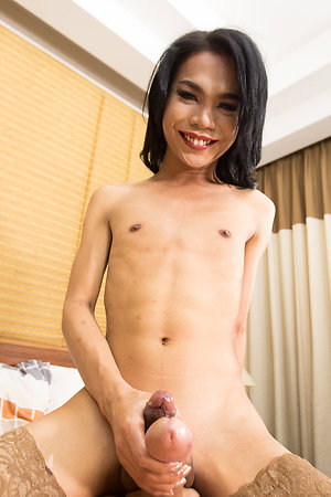 Sexy Ladyboy Record Untried with Unwillingly Bareback,