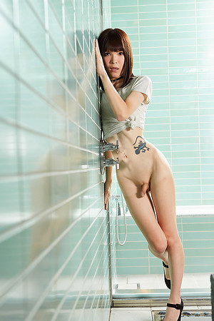 Yui Kawai  shows their way circle all round this  shower.