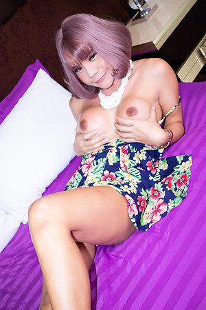 Pretty good ladyboy Bon is wearing a floral fixture rags hither dark-skinned heels.