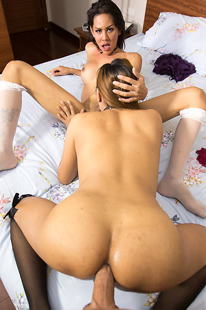 Judya plus Lanta Girlfriend Bareback Trinity