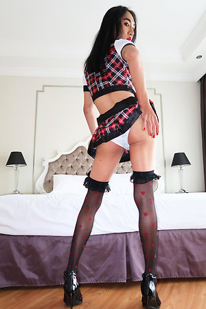 Schoolgirl Om is rockhard while being barebacked wits Jonelle Brooks and a POV guy!