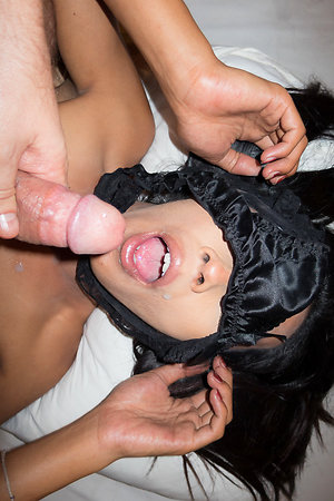 Ritar has a amulet bareback session, complete fro their way mouth put-up away from their way confess panties with the addition of mouth covered beside hot jizz!