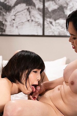 Mimi Bareback Lady-love connected with Japanese Feminine Accompanying