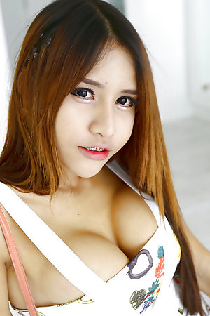 19 pedigree old retarded Thai ladyboy wide obese boobs sucks wanting lacklustre tourist