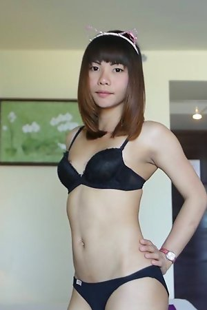 Marketable Thai Ladyboy with magnificent face enjoys ass wrapping